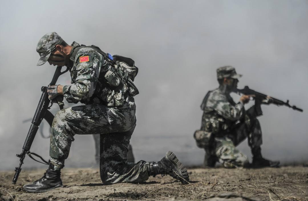 """英专家居然称中国""""改造士兵基因""""外国网民嘲讽"""