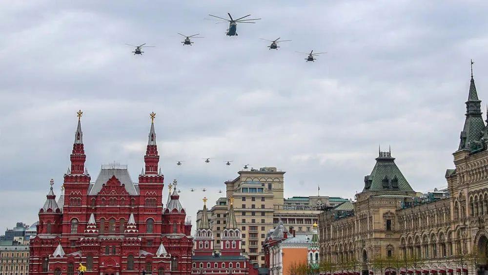 """""""兵臨城下""""的俄羅斯紅場閱兵向世界傳遞了什么信號?"""