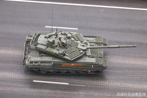 從帶妝彩排看俄羅斯勝利閱兵  T-90坦克更換新炮塔
