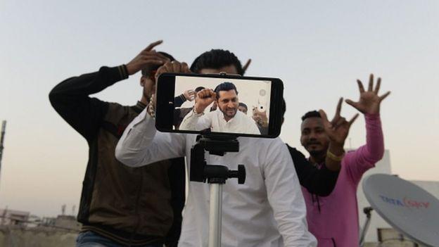 【谷歌官方网站】_印度千万粉丝大V吐苦水:没有中国APP 将失去收入来源