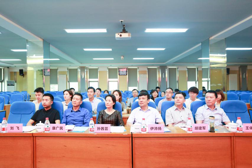 共建山东首家新媒体产业学院
