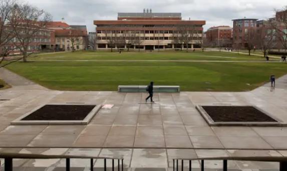 【济南楼凤验证】_美大学教授发布辱华言论后 268名学校职工发声力挺中国学生