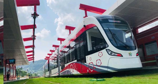 全线通车运行 广州黄埔有轨电车1号线年底运营在望