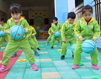 江西遂川:乡村幼儿活力早操悦动童年