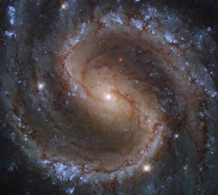 """哈勃太空望远镜捕捉到""""失落星系""""的绚丽景象"""