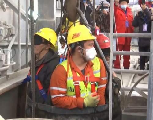 山东栖霞金矿事故救援:已取得联系的11人全部升井