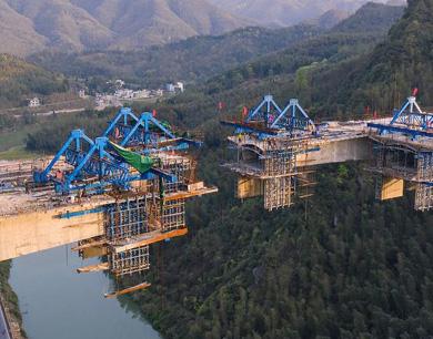 萍乡萍莲高速源头水库特大桥即将合龙