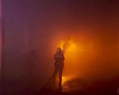 突發!蕪湖一廠房倉庫突起大火 火勢猛烈