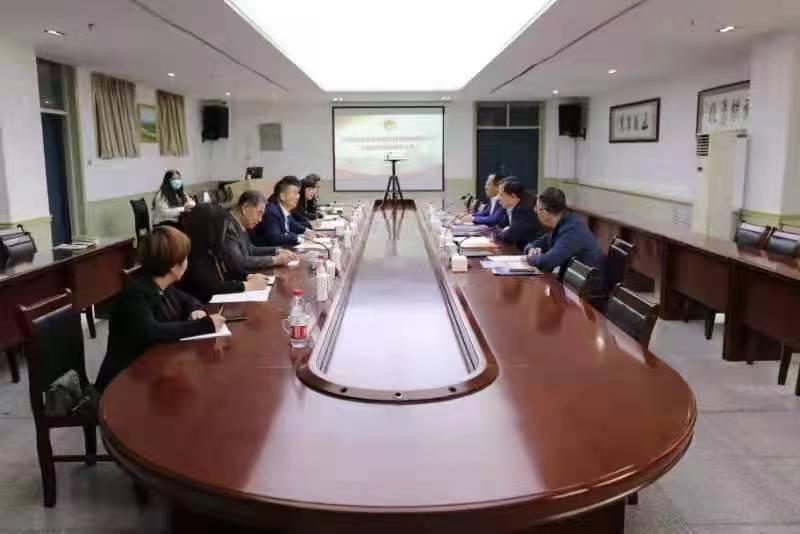 青岛市教导局刘鹏照局长到青岛务实职业手艺学院考查调研