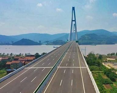湖北武穴长江大桥建成通车
