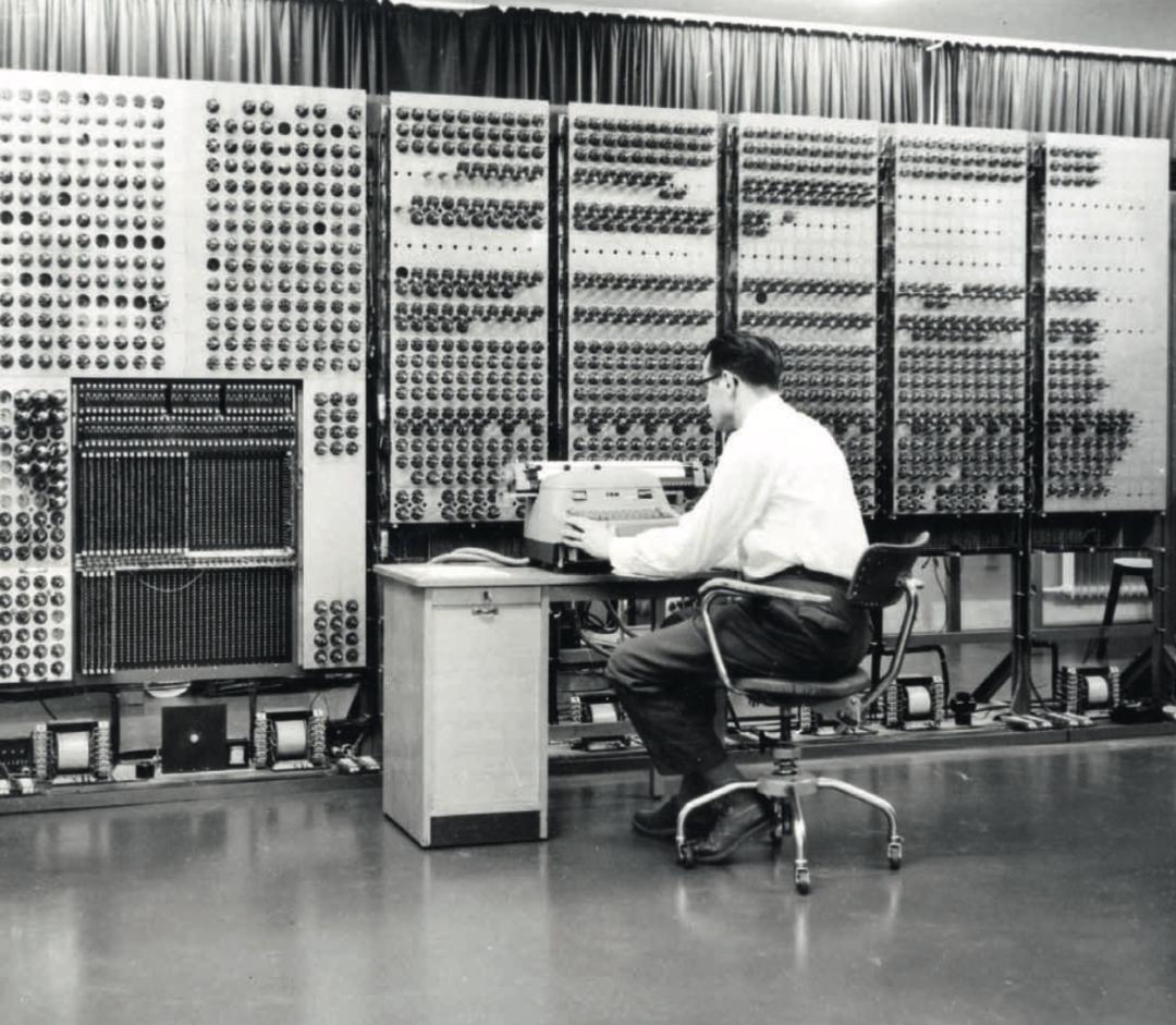 G1是德国第一台超级计算机,用的还是打孔纸带。上图为它的继任者G3丨马克思-普朗克研究所
