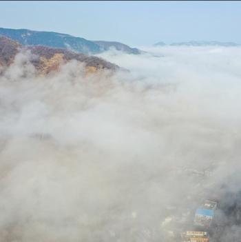 凤瞰齐鲁|济南九如山现平流雾奇观