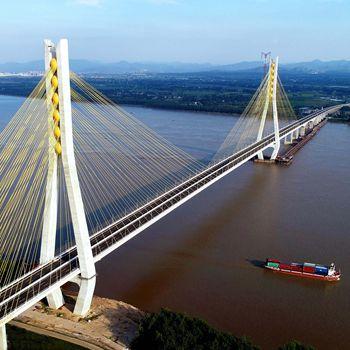 安徽池州长江公路大桥正式通车