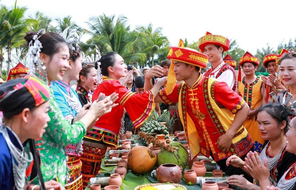 """我和我的祖国""""庆祝新中国成立70周年原创诗歌征"""