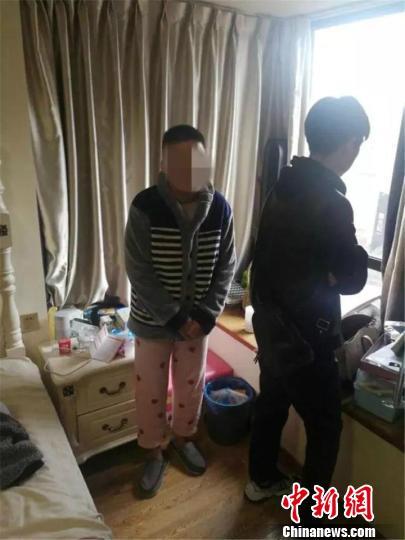 龙泉公安在杭州逮捕邵某。警方提供
