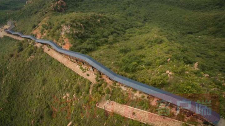 河南省首条巨型爬山扶梯投入使用