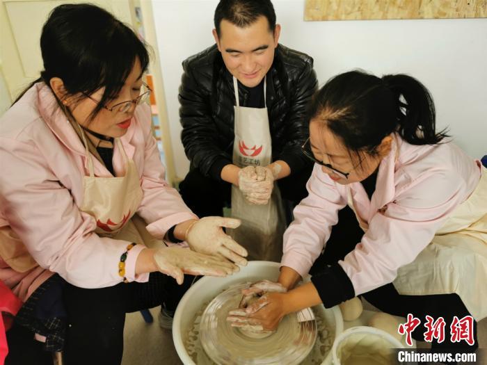 11选511选5下期推算方法 陶艺文化进11选5校园 特色课程促师生综合素质提升