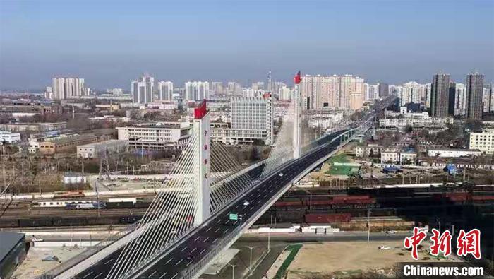 河北保定:世界转体跨度最大转体重量最重斜拉桥通车