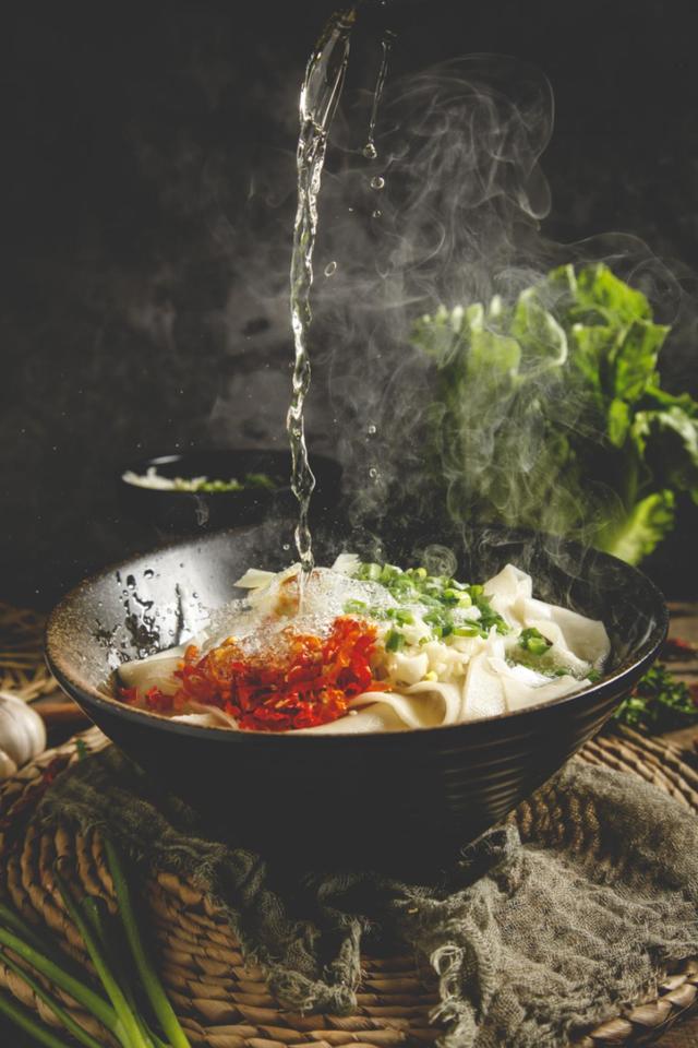 您家菜籽油是低芥酸的吗?鲁花低芥酸菜籽油又香又健康