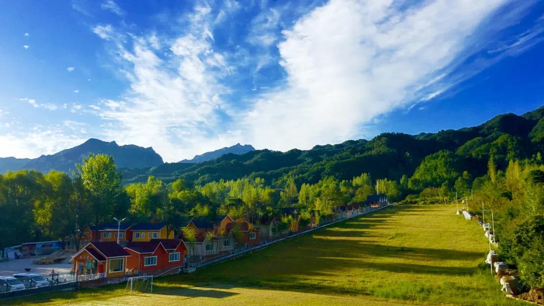 远离城市喧嚣,坐看绿水青山!这个夏天,快来嵩县白云小镇吧!