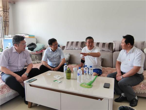 和记者聊起近几年五星村的发展变化,村民杨国忠有说不完的话。