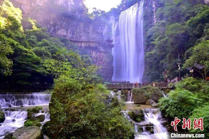 资料图:三峡大瀑布景区。刘康摄