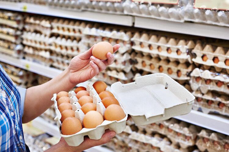 过期食品对身体的伤害有多大?专家提醒:这3种食品的伤害最大