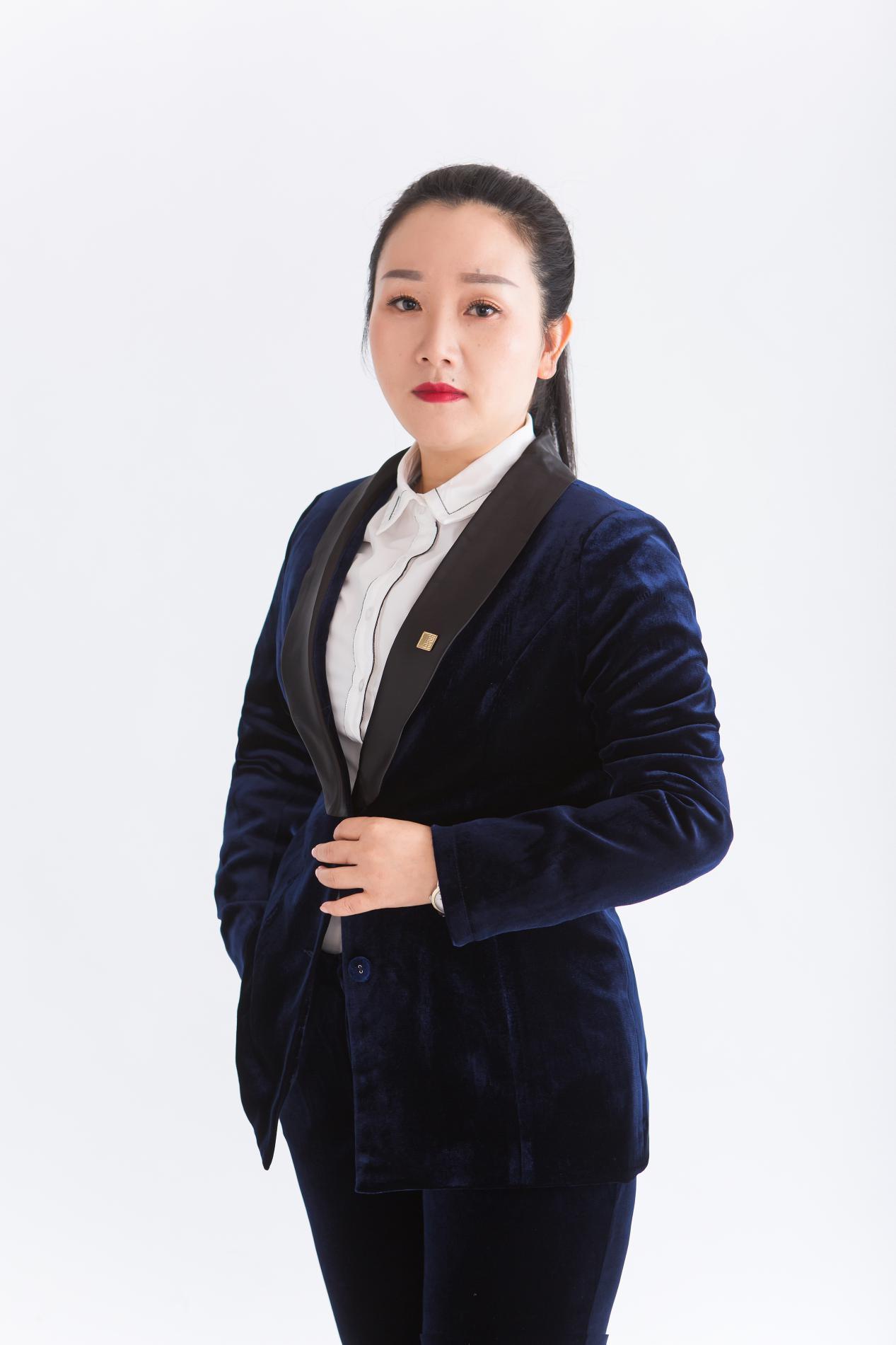 王红照片1