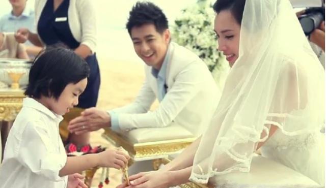林志颖撇下儿子庆成婚6周年,10岁kimi已长到爸爸肩膀