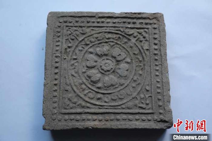 唐代板瓦。陕西省考古研究院