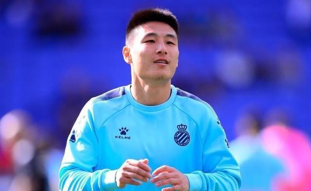 武磊冲西甲第8球!有望创中国足球纪录,西媒预测国足一哥替补
