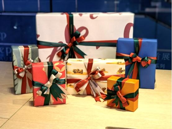 新年送礼如何与众不同?来华为旗舰店选一款限定包装吧!