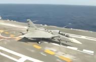 印度LCA首次成功降落航母,成世界罕有能自研舰载机国家