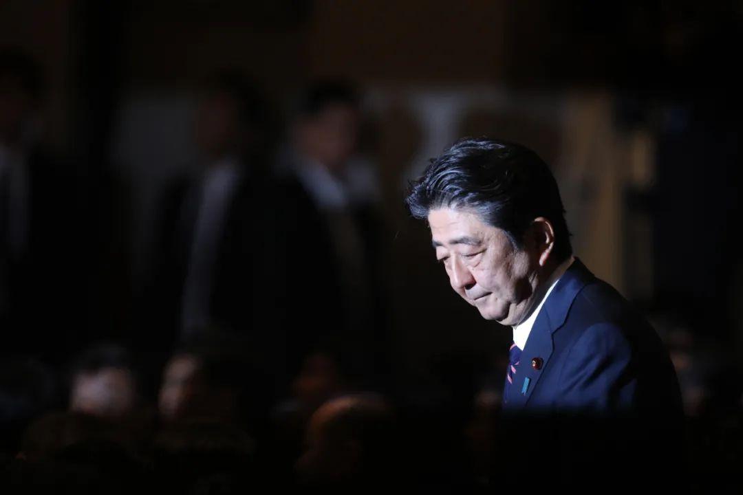 这是2018年9月20日在日本东京自民党总裁选举现场拍摄的日本首相安倍晋三。新华社记者 杜潇逸 摄
