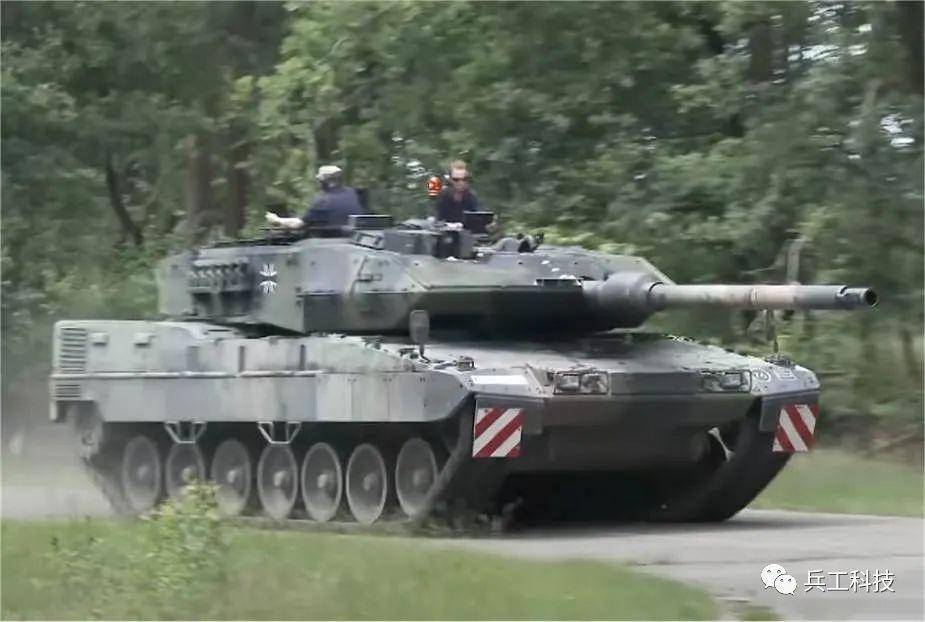 最强豹-2坦克登场!战斗力有多逆天?