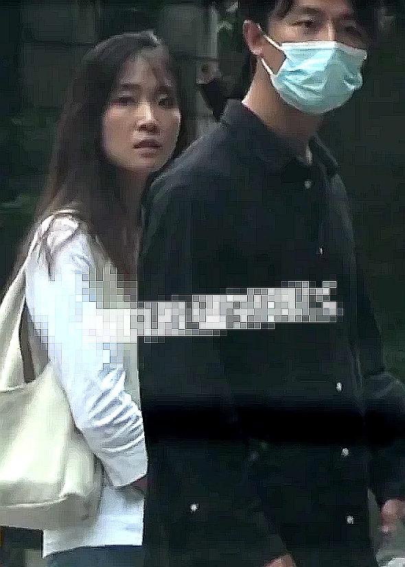 黄轩女友被曝英籍华人:常做社工,性格温柔会弹琴
