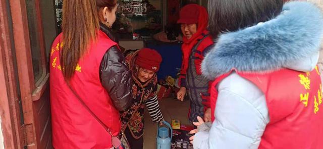 济宁正德职业培训学校暖冬行动 走访慰问60余户老人