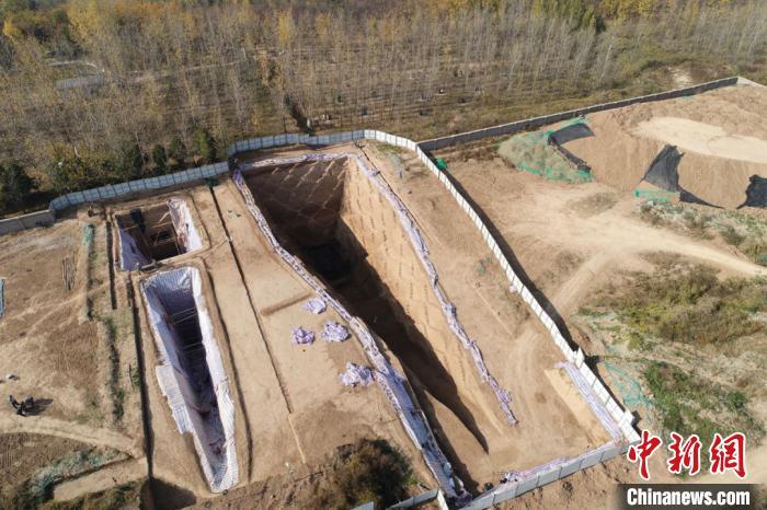 【免费夫妻大片在线看每天一贴】_西安白鹿原发现西汉早期大型墓葬 出土2200余枚玉衣片