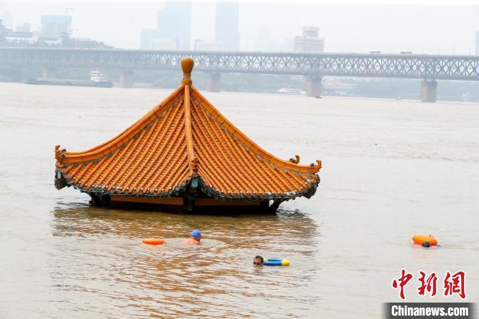【免费快猫网址培训】_长江武汉段水位达到历史第六 武汉江滩公园封闭
