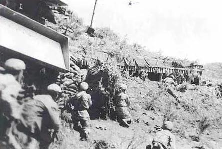上图_ 金城战役里发起进攻的志愿军