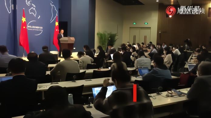 """外交部:美方所谓""""清洁网络""""是""""肮脏网络"""""""