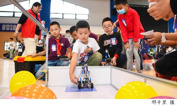 5500青少年同场竞技,上海市青少年人工智能创新大赛今日收官