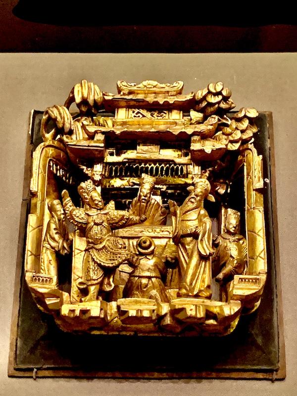金漆多层次通雕《铜雀台》方肚