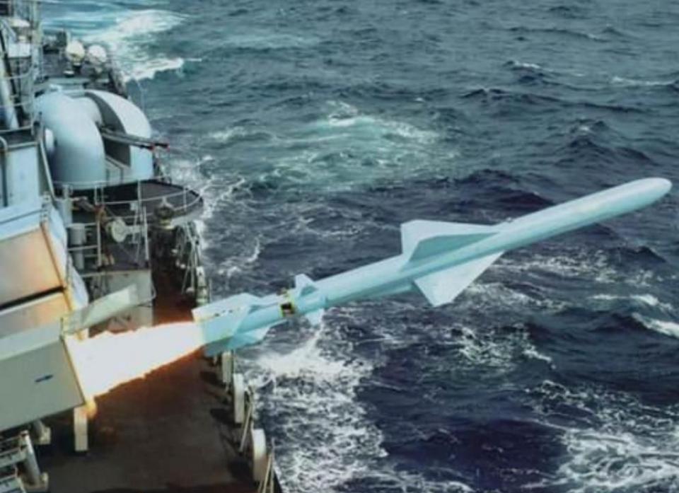 鹰击83已服役28年至今仍是最主力反舰导弹 为何还不换新的?