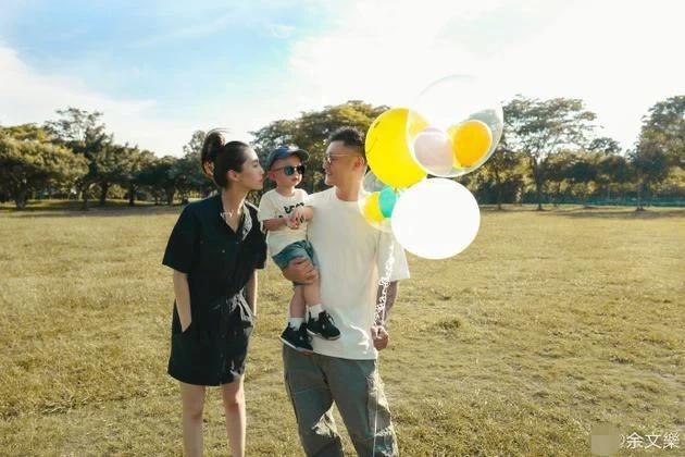 余文乐宣布二胎性别,将迎小公主儿女双全