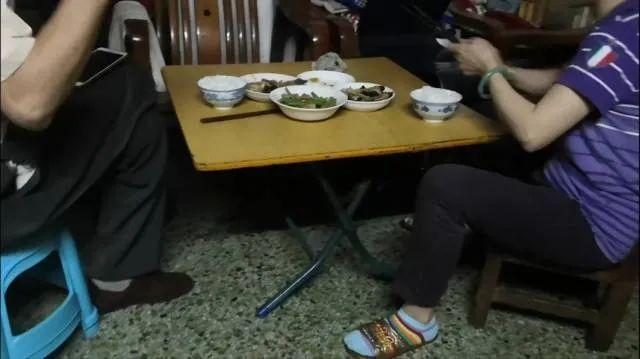 """【百度搜索排名】_广州""""最牛钉子户"""":留守12年月租100元 称""""我们不能搬"""""""