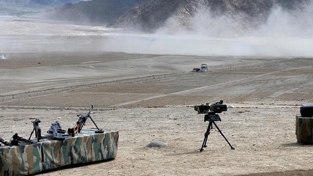 印陆军总司令到列城哨所钻进帐篷视察:解放军驻地就在200米外(图2)