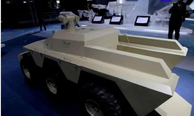 解放军无人战车正式服役!外形小巧,威力惊人