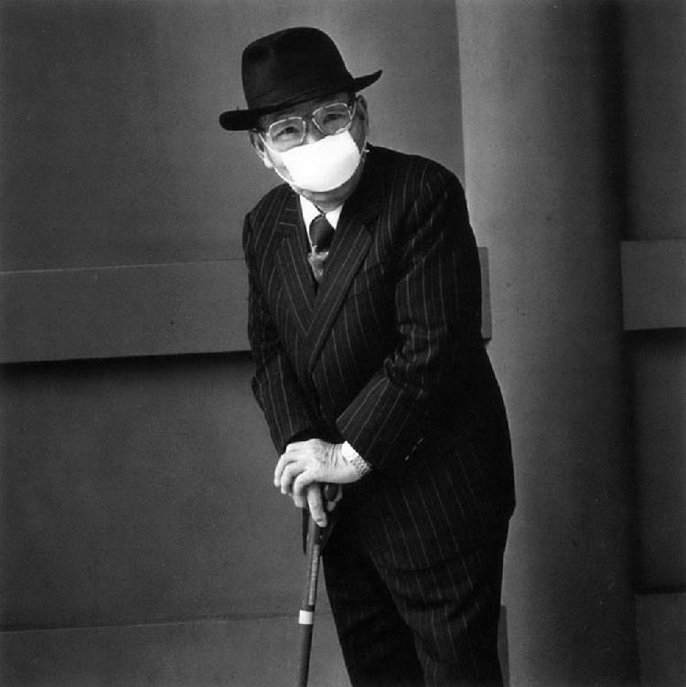《Persona》系列作品-一位凝视的老人,2001年