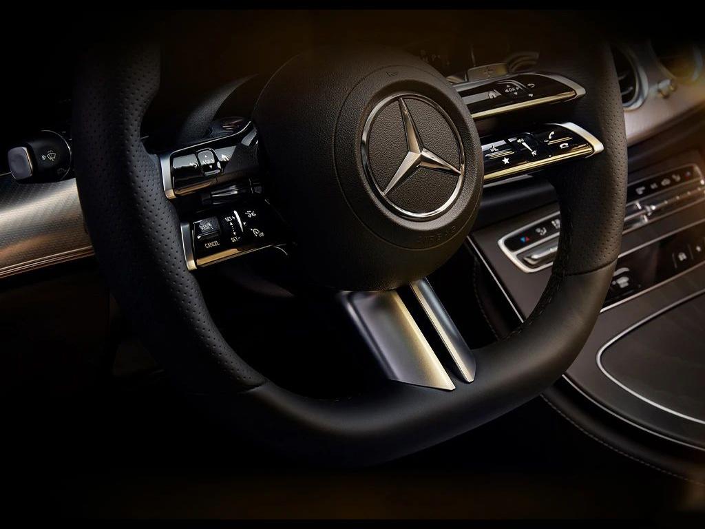 40万买豪华轿车为什么绕不开宝马5系、奔驰E级、奥迪A6L?(图7)